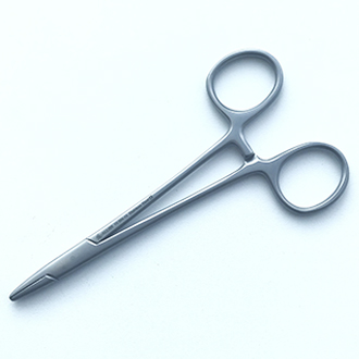 Иглодержатель хирургический Баумгартнера прямой дл. 130 мм. 15-384-13