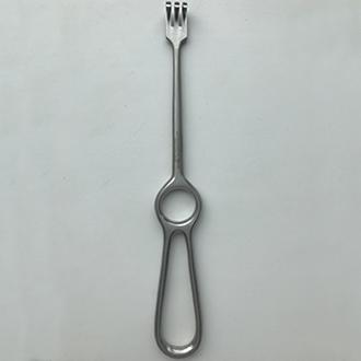 Расширитель-крючок Кохера хирургический 3-зубый тупоконечный