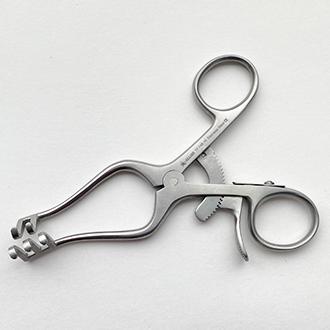 Расширитель нейрохирургический Вейтлайнера-Локтайта 2х3 зубый острый длина 105 мм. 17-748-10