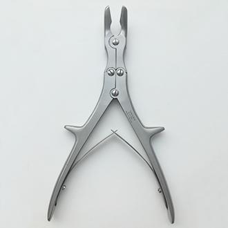 Щипцы костные-кусачки шарнирные с двойной передачей с круглыми губками изогнутые по плоскости