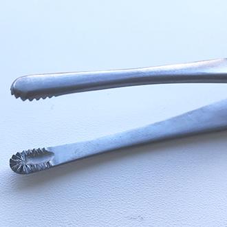 Пинцет зубчато-лапчатый  Русс-Модель