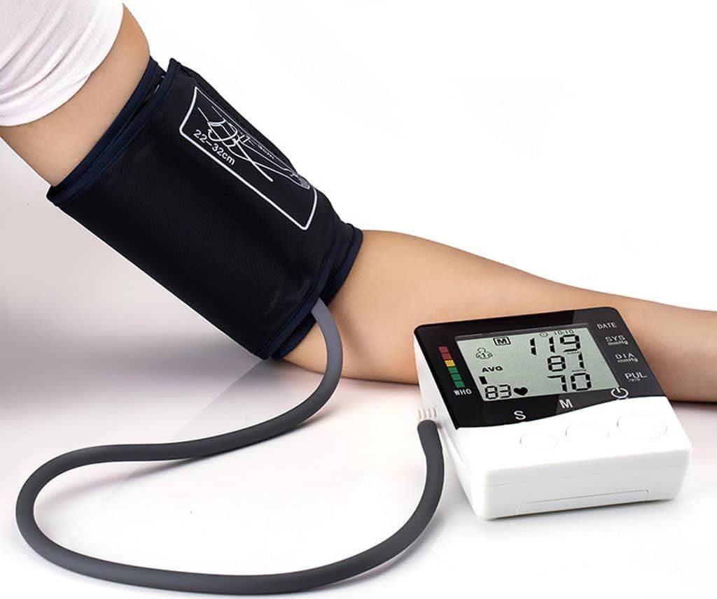 Артериальное давление и уровень холестерина в молодости связаны со здоровьем сердца в старости